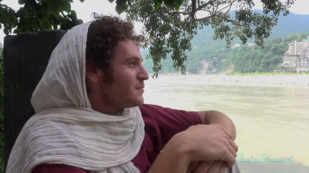 Tzah at the river Ganges